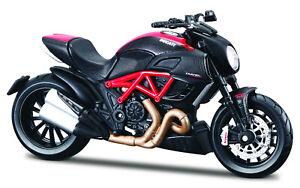 Ducati Diavel Carbon Noir-rouge échelle 1:18 Moto Modèle De Maisto