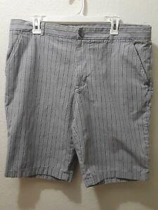 Perry-Ellis-Men-039-s-Light-Gray-PLAID-Shorts-Size-36-NA-039-S