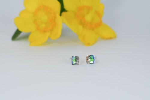 Pequeño Tono Plata Pendientes de cubo de cristal austriaco Arco Iris Colores postes señoras UK