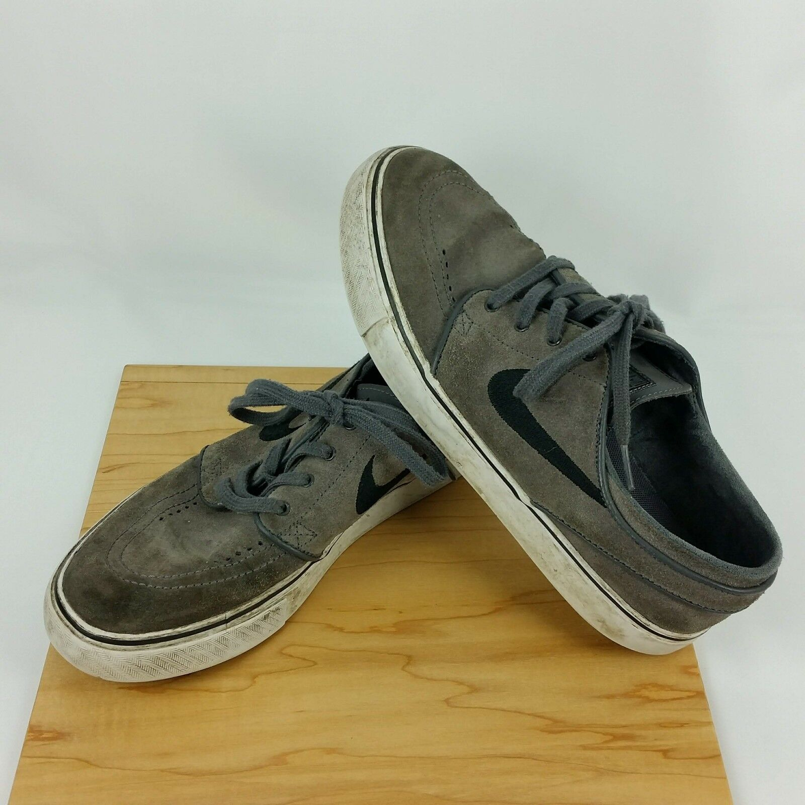 Nike Zoom Stefan Janoski SB Gray Skateboarding Shoes Men's Size 8 Black Swoosh