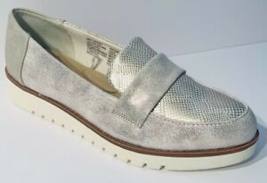 Time-and-Tru-Women-039-s-Silver-Leather-Wedge-Memory-Foam-Loafer-in-Size-6