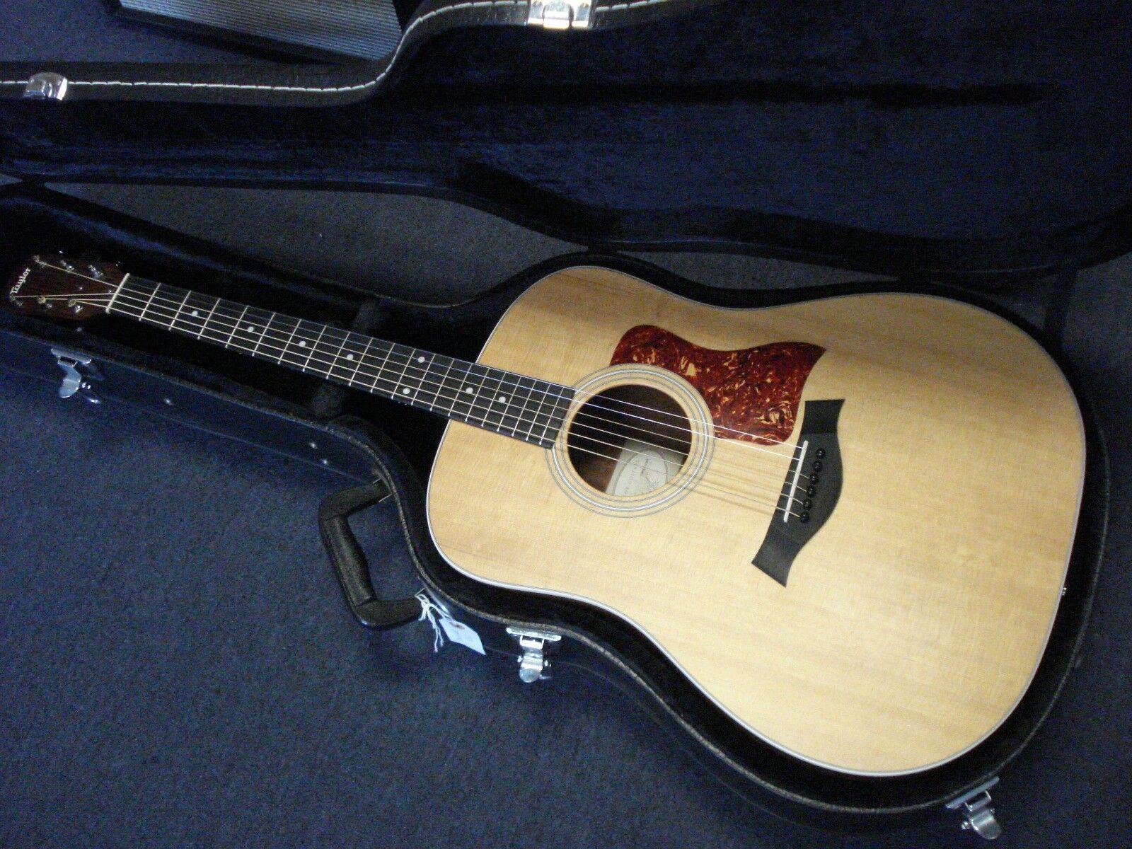 Taylor 210 Acoustic Guitar Natural