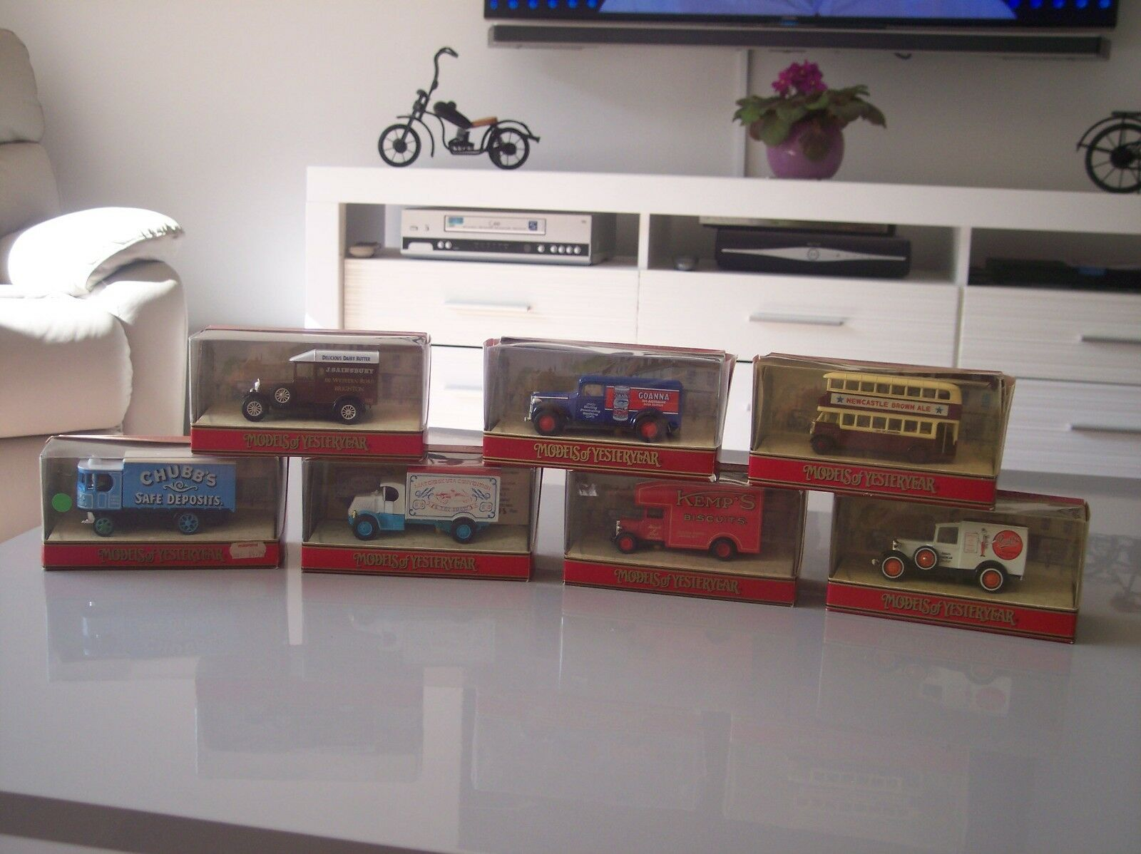 7 MATCHBOX Models OF YESTERYEAR CAMION & Bus
