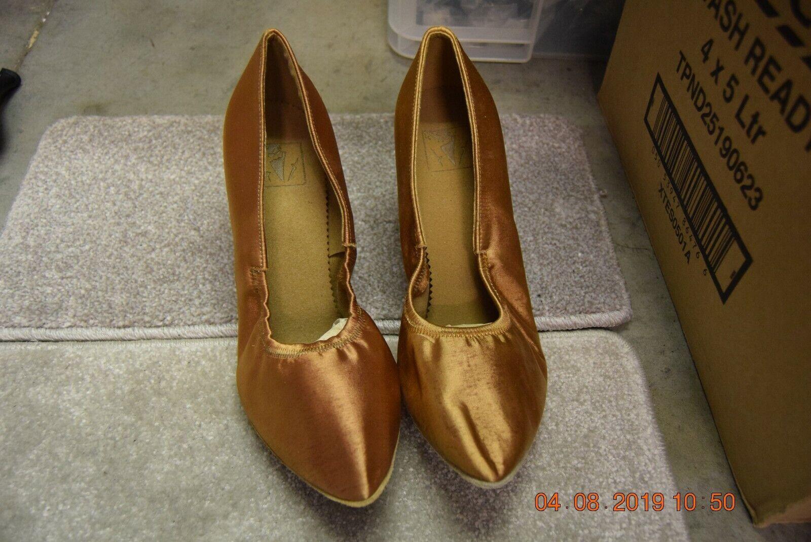 Tan satin elasticated Dancelife ballroom dance shoes - size UK 8.5 (P80a)