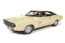 Auto World 1:18 1970 Dodge Charger RT/SE Diecast Car AMM1036