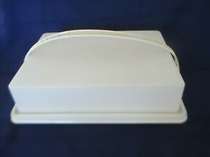 TUPPERWARE-Rectangle-Sheet-Cake-Keeper-Carrier-w-Handle-amp-Lid-Almond-Color
