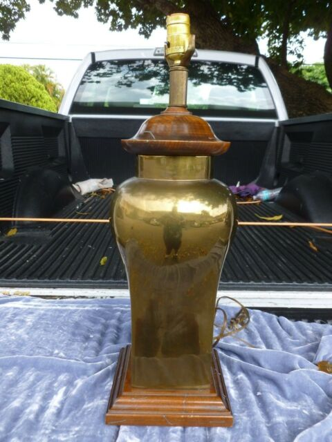 WONDERFUL FAT 1970'S BRASS PAGODA STYLE JAMES MONT INSPIRED TABLE LAMP