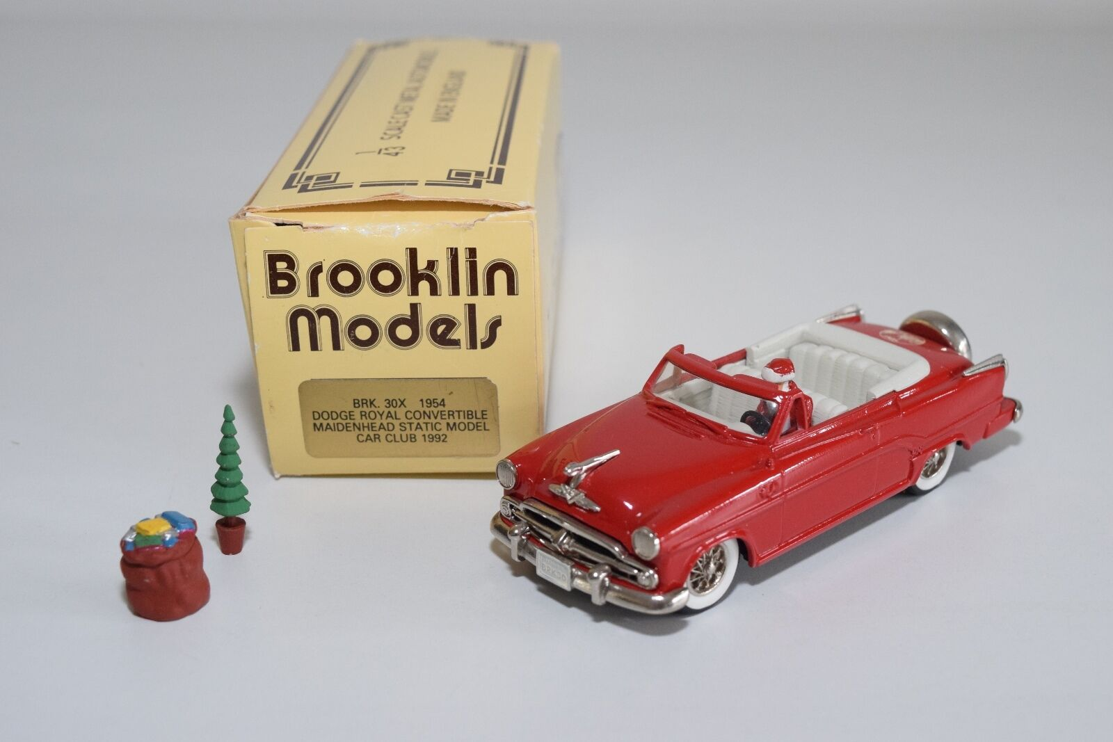 -- BROOKLIN BRK 30X 1954 DODGE ROYAL CONgreenIBLE MSMCC 1992 SANTA MINTBOXED