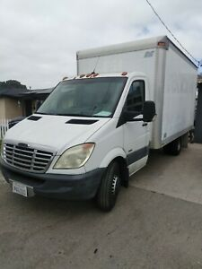 2008-Dodge-Sprinter-FREIGHTLINER