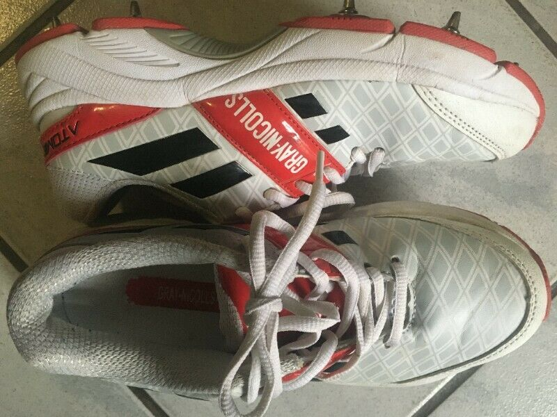 Gray-Nicolls Cricket shoes for boys - as good as new!