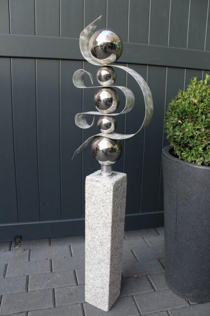 Handarbeit vom Künstler Skulptur Edelstahlkugeln gepaart mit Granit