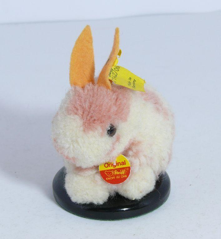 Steiff 7142/06 Woll-Hase Coniglio con Bandiera e Bottone