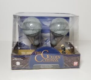LEE SCORSBY AIR SHIP VEHICLE /& FIGURE THE GOLDEN COMPASS NEW /& SEALED