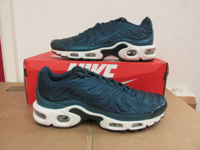 official photos 9efe3 84645 Nike Air Max Plus SE womens 862201 901 running trainers CLEARANCE