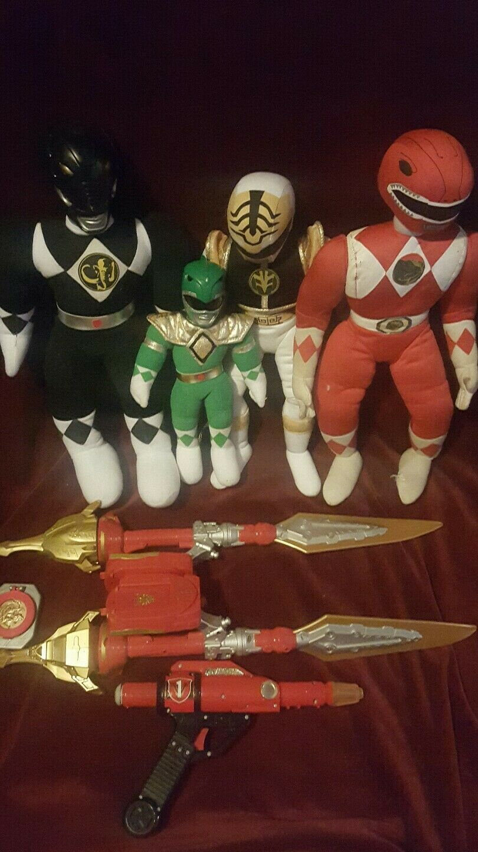 Mighty Morphin Power Rangers relleno Felpa Muñeca Lote con armas