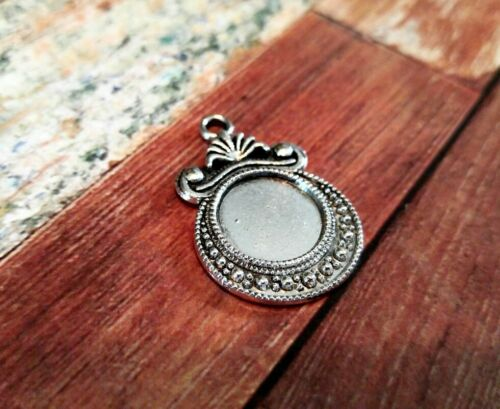 4 Cabochon Settings Frame Pendants Flat Back Setting Blanks Antiqued Silver