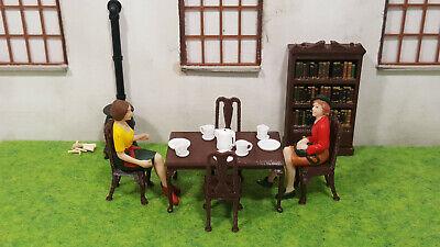 Ideal für Bahngebäude MSM  Tisch mit Stühle Häuser usw. 1:32 Spur 1