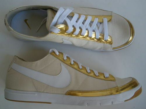 NIKE BLAZER LOW femmes US 11 $110 NEW RARE