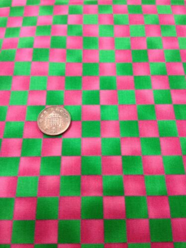 100/% cotton quilting craft Fabric Hot Pink Green Check Graphix Paintbrush Studio