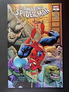 Amazing-SpiderMan-1-Signed-w-COA-Ryan-Ottley-2018-Marvel-Comics-Torpedo-Variant