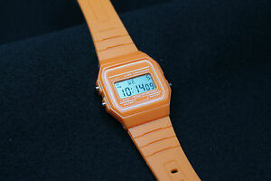 WATCH-WR-RETRO-STYLE-ORANGE