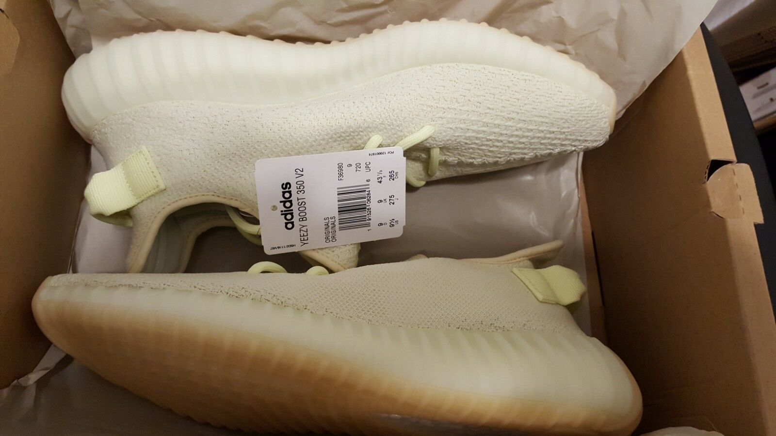 DS Adidas Yeezy Boost 350 v2 F36980 Butter Size 9.5  BRAND NEW