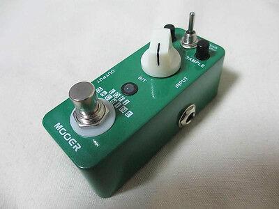 Mooer LoFI Machine - 3 Sample Reducing Effects - Bass, Guitar, Synth.