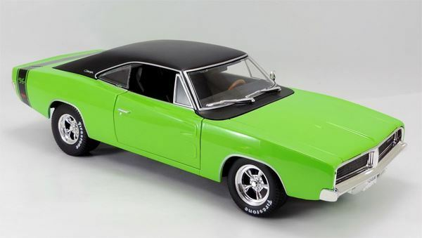 MAISTO 1 18 SCALE 1969 DODGE CHARGER R T MODEL   BN   32612GR