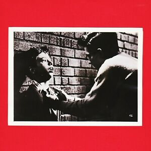 Kinofoto-Szenenbild-12-Allianz-Film-GmbH-034-Entfesselte-Jugend-034-1956-18cm-x-13cm