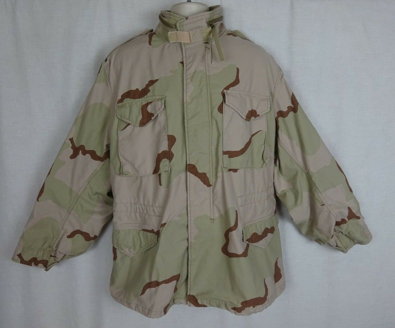 U.S. Military Desert Camo Cold Weather Field Coat  Hood  Size Large   Long
