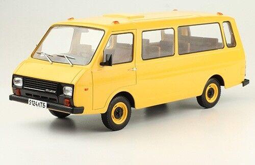 Hachette 1 24 RAF-22038 + mag Legendary Soviet cars OVP