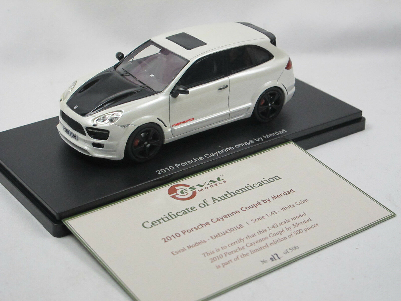 ESVAL MODELS 2010 PORSCHE CAYENNE 2-Door merdad Coupe blanc Limited Edition 1 43