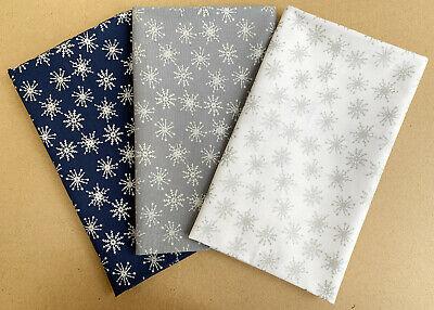 Per Metre Festive RED RF35 Christmas Snowflake /& Baubles Fabric 100/% Cotton