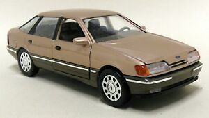 Schabak-1-25-Scale-Ford-Scorpio-Granada-Metallic-Gold-Vintage-Diecast-model-car