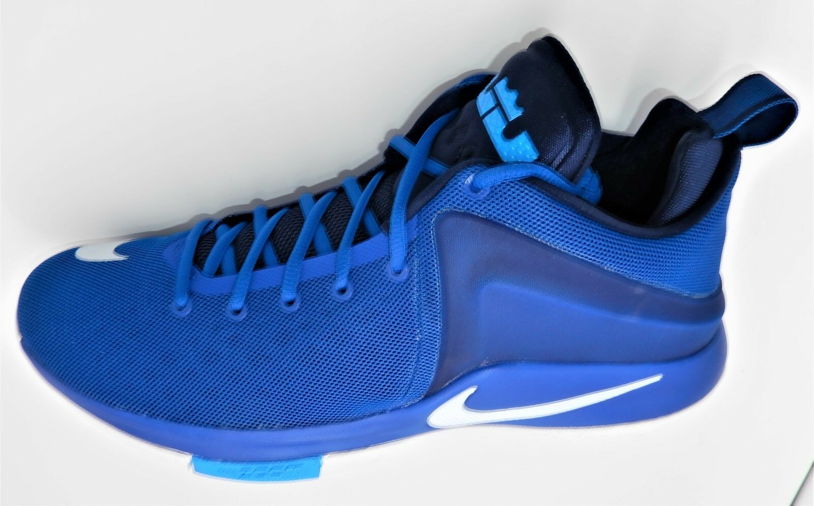 NEW NIKE MEN LEBRON ZOOM WITNESS SIZE 11.5 ROYAL blueE 852439-401 JAMES 2