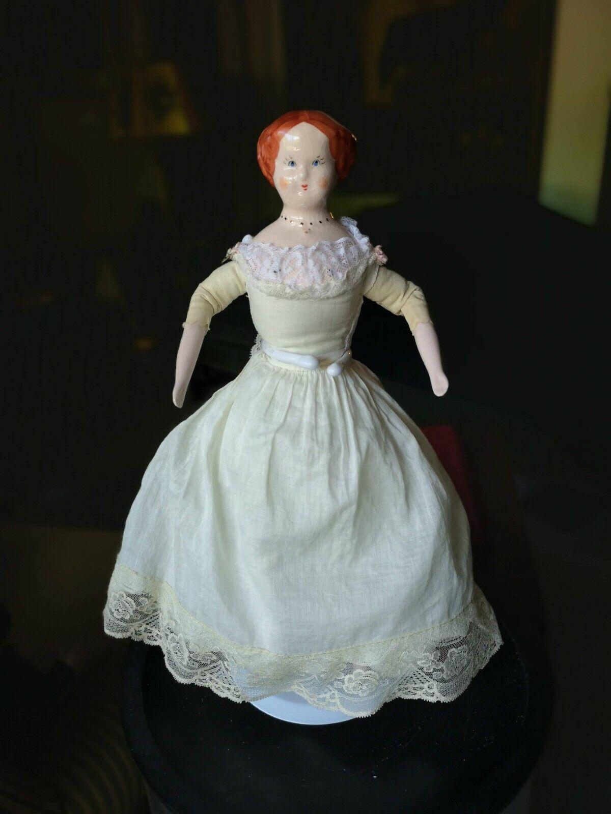 Vintage 12  Ruth Gibbs rosado Pelo Castaño Muñeca De Porcelana blancoo Vestido con bullicio