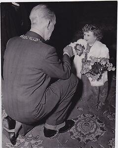 Miss Anita World's Smallest Woman MIDGET * Iconic VINTAGE 1955 Rare press photo