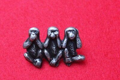 Insigne Trois Singes (fixation Pin's ) ( Hauteur De L'insigne : 2 Cm )