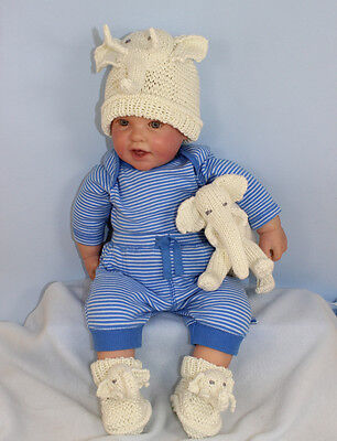 KNITTING INSTRUCTIONS-BABY ELEPHANT TOY BEANIE HAT & BOOTIES KNITTING PATTERN