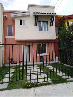 Casa en venta en Fracc. Real Toledo Fase 1, 2 pisos, 3 recámaras, en Pachuca, Hidalgo.