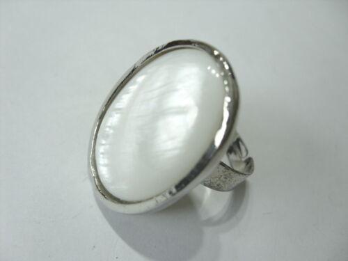 Un 28 mm integró blanco madreperla dedo anillo Anillo ajustable 18-21 mm