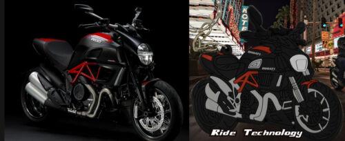2015 DUCATI DIAVEL MOTORBIKE KEYRING KEY CHAIN ACCESSORY