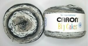 CARON-BIG-CAKES-by-Yarnspirations-Yarn-034-Cookie-Crumble-034-NEW-10-5-oz-603-yards