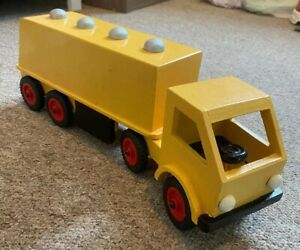 Vintage-Wood-Yellow-Antique-Lorry-And-Trailer-70s-80s-Old-Toy-Car-1970s-1980s