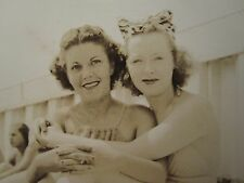 VINTAGE WOMEN LESBIAN INT LOVE ARTISTIC PHOTO VERNACULAR PHOTOGRAPHY BEACH FUN