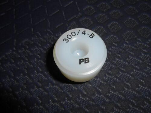 Nylon-Einsatz PB 300 B Grösse 4  Gewölbt