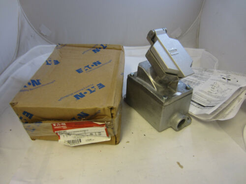 CROUSE HINDS ENR21201 EXPLOSION PROOF 20 AMP 120V RECEPTACLE WITH BACK BOX