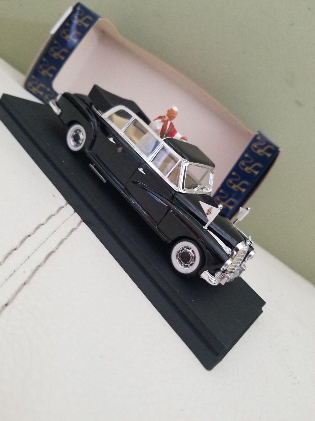 Mercedes Benz 300D Limousine with figurine Pope Papa Giovanni XXIII Rio 1 43