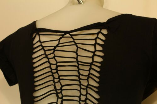 Women/'s Festival Look Black T-Shirt with Stunning Snakeskin Effect Knotted Back