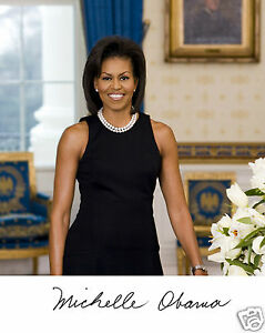First Lady of America from 2009 to 2017 Michelle Obama UNSIGNED photo M7841